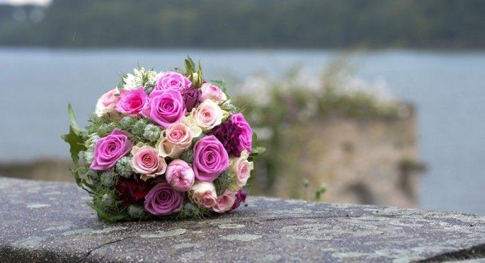 Hochzeits-Bouquet in Eltville an der Kurfürstlichen Burg Eltville im Rheingau (c) www.Saskiamarloh.com