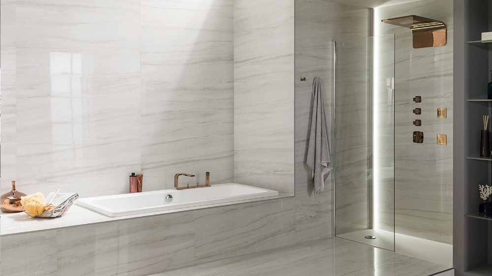 Portofino Pulido From Porcelanosa The Brightness Of Classic Marble For Modern Spaces Tile Bathroom Modern Spaces Bathroom Interior Design