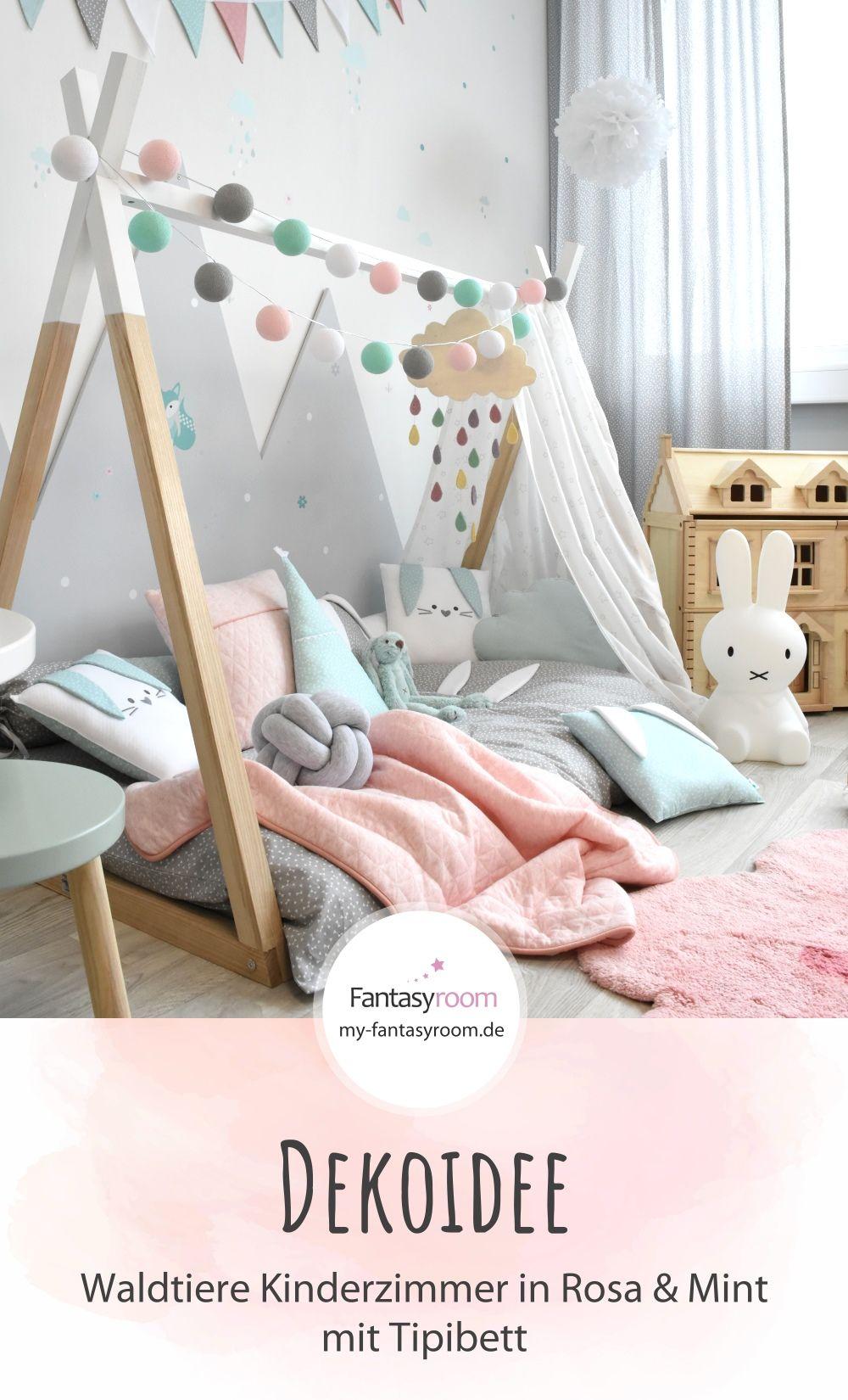 Mädchenzimmer mit Tipibett & Waldtieren in Rosa & Mint