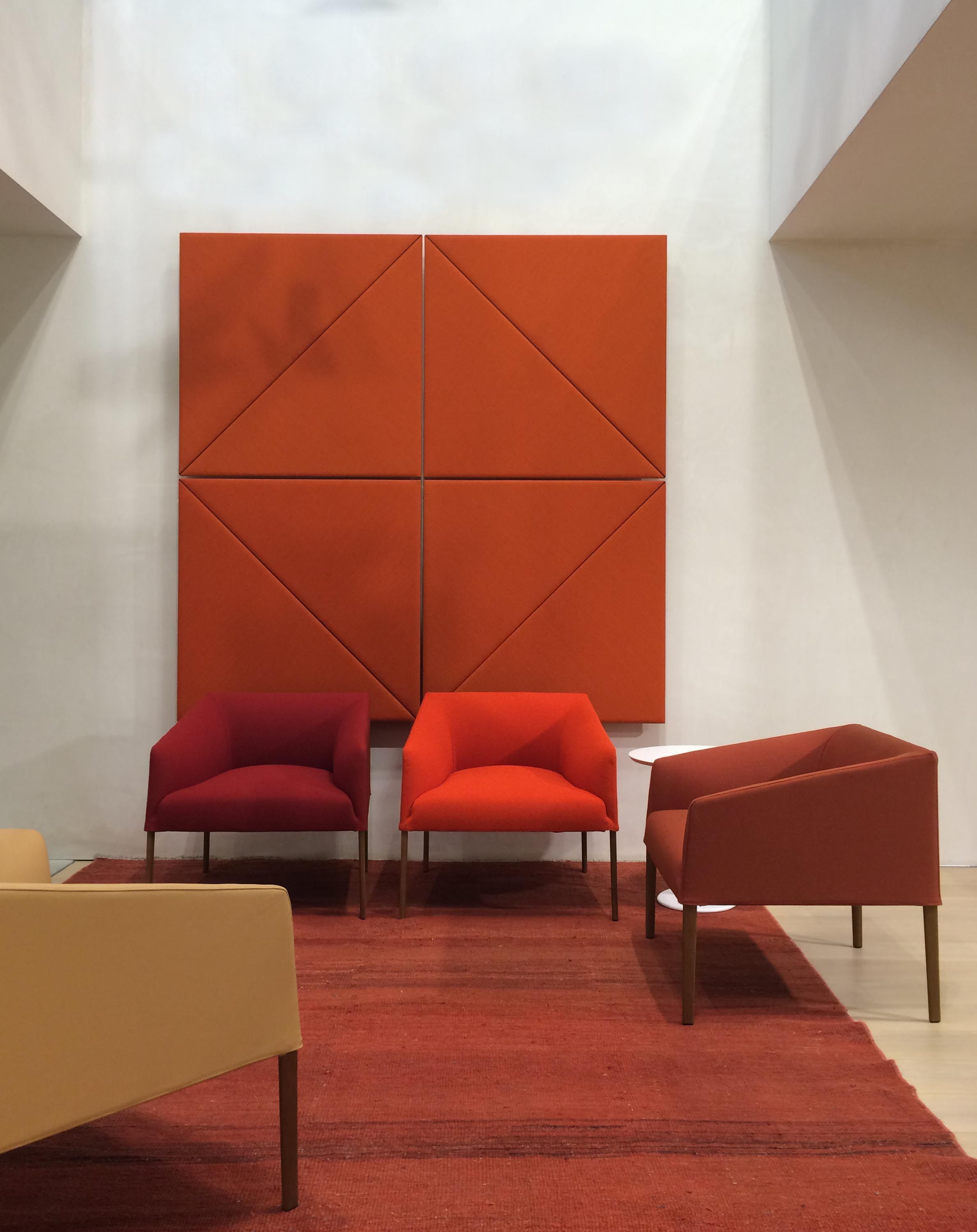 fice with Parentesit wall panels and Saari chairs both by