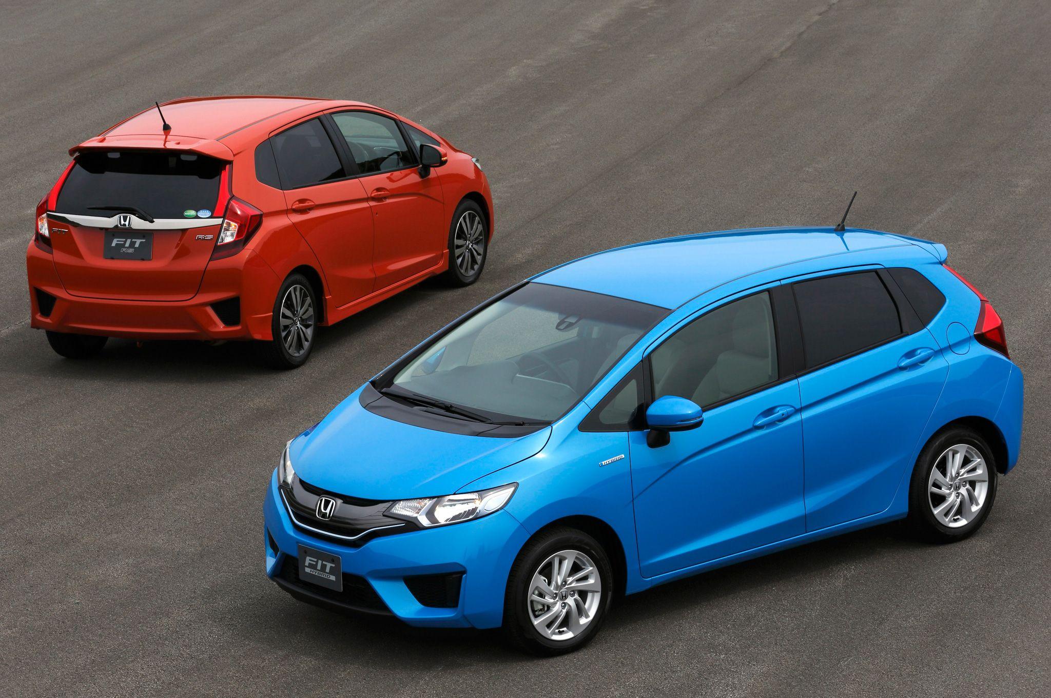 PHOTO: 2014 Honda Fit Blue and Orange #honda #hondafit #compactcar #hatchback