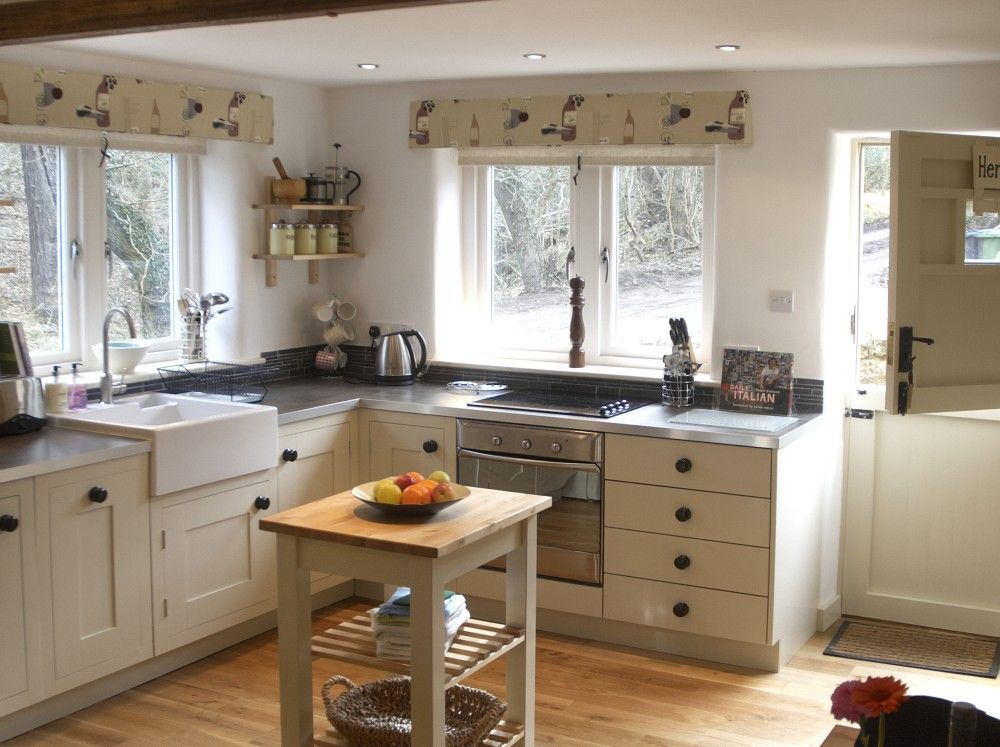 cute small kitchen country kitchen small kitchen luxury holiday cottages on small kaboodle kitchen ideas id=34468