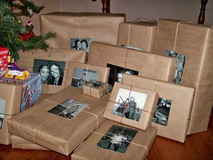 Black and whie photos instead of name tags for christmas gifts