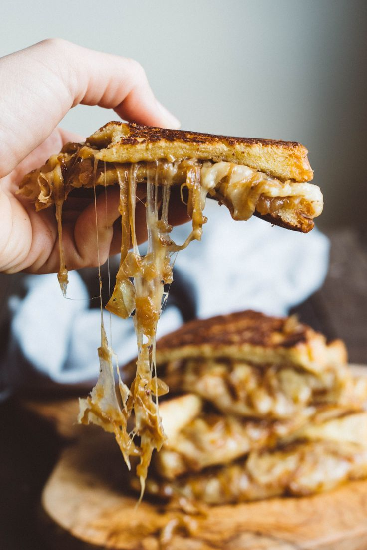     FRENCH ONION GRILLED CHEESE   Ooey Gooey Melted Cheese with Caramelized Onions on Buttery Toasted Bread. BEST GRILLED CHEESE SANDWICH EVER!