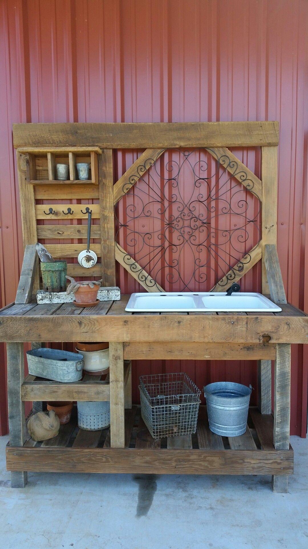 Pallet Potting Bench - Gardening Rustic Outdoor Craft