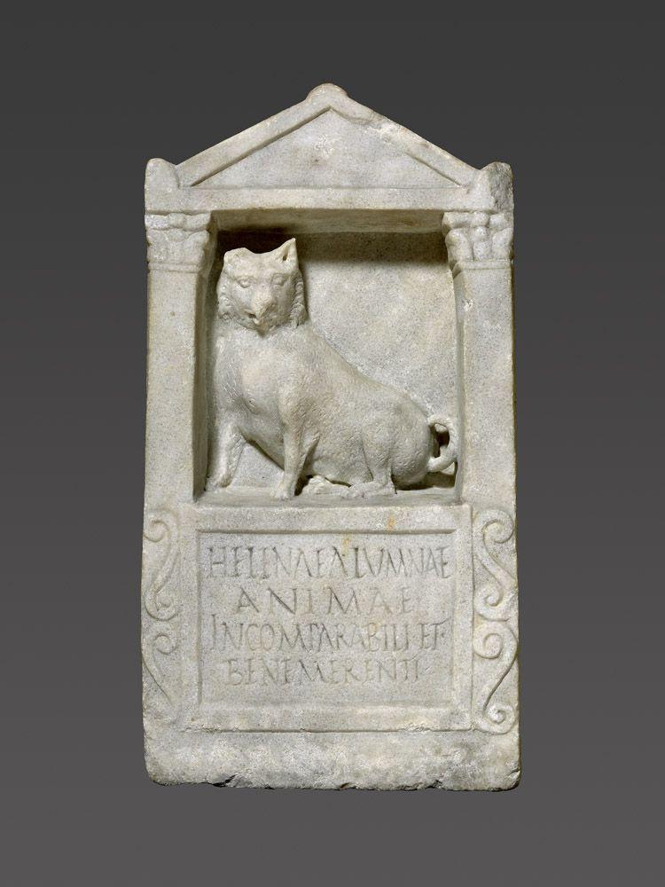Monumento funerario a un perro sobre años 150–200. Marble. The J. Paul Getty Museum
