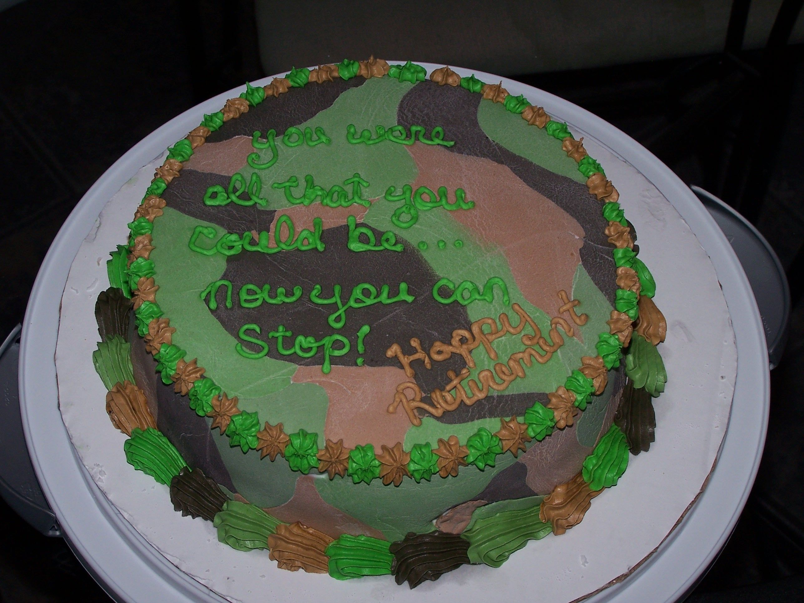 Camouflage baby shower cake ideas for a boy army for Army cake decoration