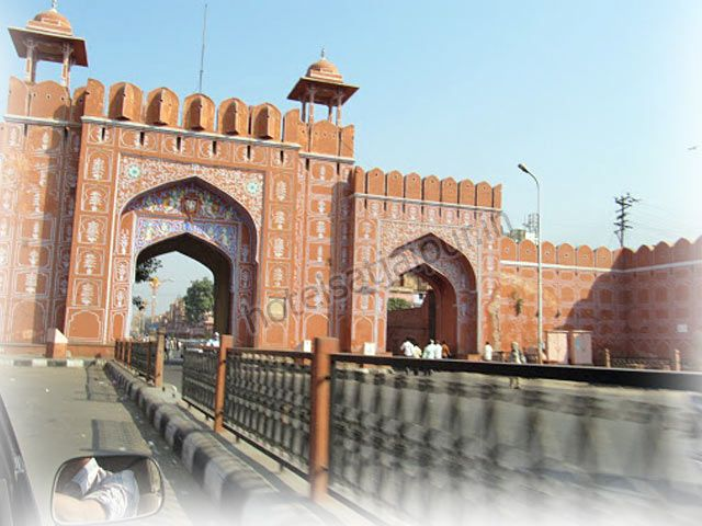 Get of pink city Jaipur - http://www.jaipur-hotels.co.in/jaipur-photogallery/2