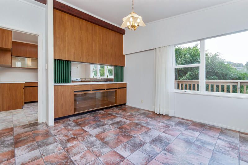 Dining room of 4 bedroom 1960 brick home queenstown rd