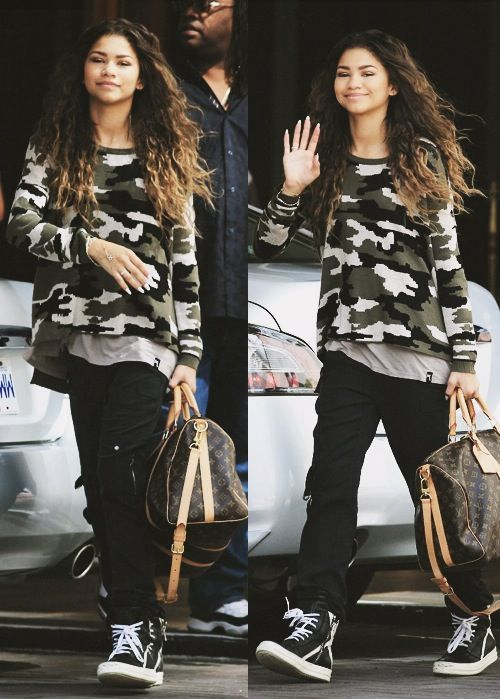 her style GOD i love zendaya!