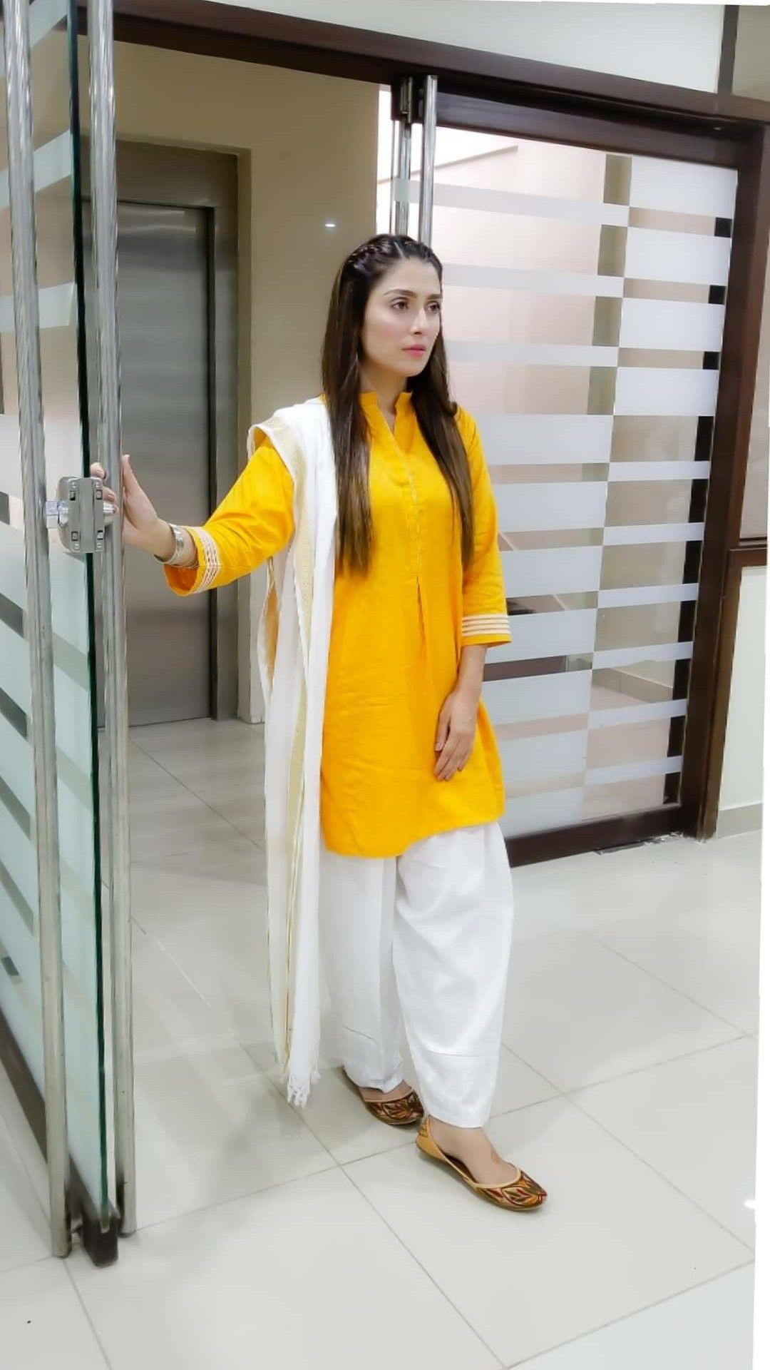 Pin By Fahad On Pakistani Celebrities Pakistani Fashion Party Wear Stylish Dress Designs Stylish Dresses For Girls [ 1920 x 1080 Pixel ]