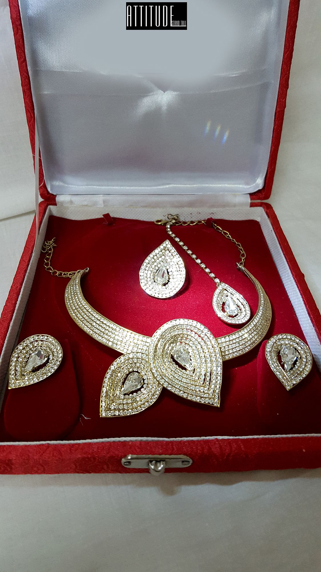 de3571537b Diamond Studded Water Drop Necklace Set