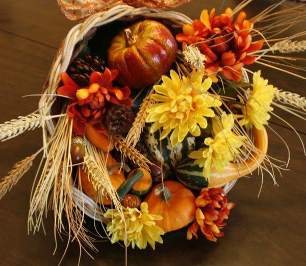Cornucopia For a Festive Thanksgiving | Festive ...