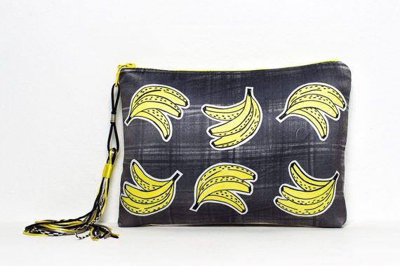 Pochette by Marta Fofi pop banane fatto a di Martafofiartworks