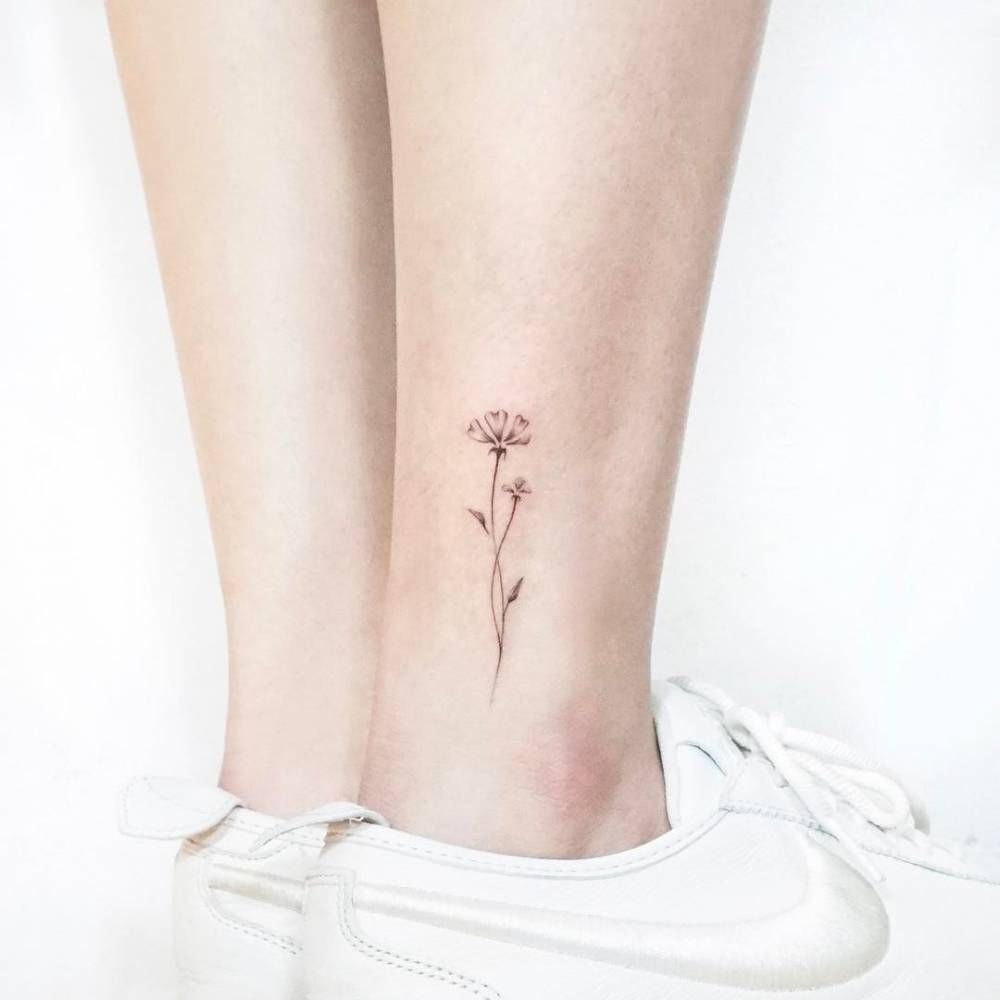 Illustrative Flower Tattoo On The Ankle Small Tattoos Tattoos Tiny Flower Tattoos