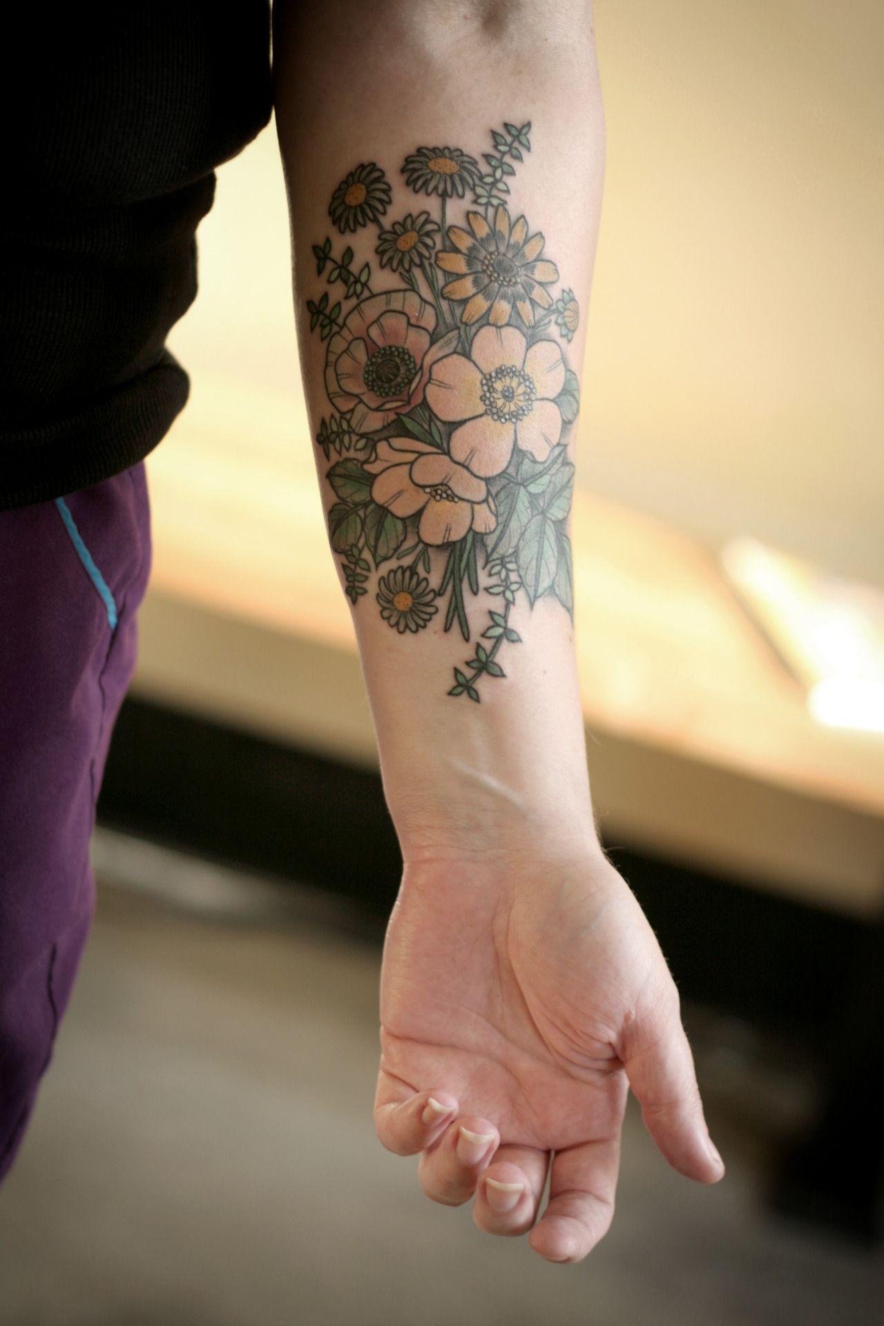 Pretty Daisy Tattoo: Pretty Tattoo Girly Daisy Color Tattoo Bouquet Wild Rose