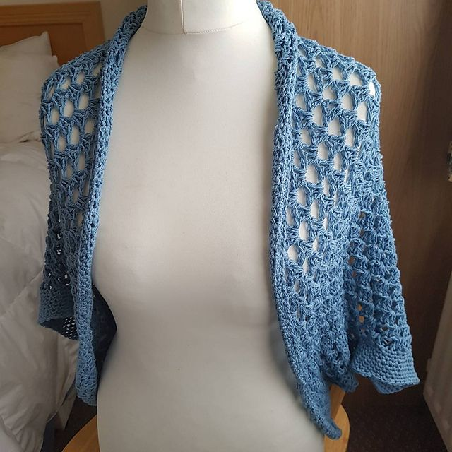 Ravelry: A-Crafty-Dragon's Movie Night Cocoon Cardi