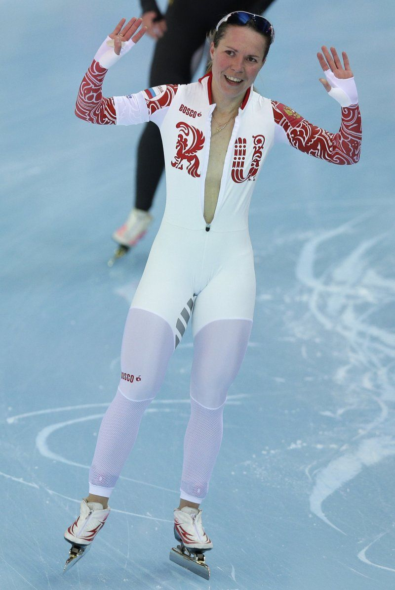 Russian speedskater forgets shes naked under suit, nearly