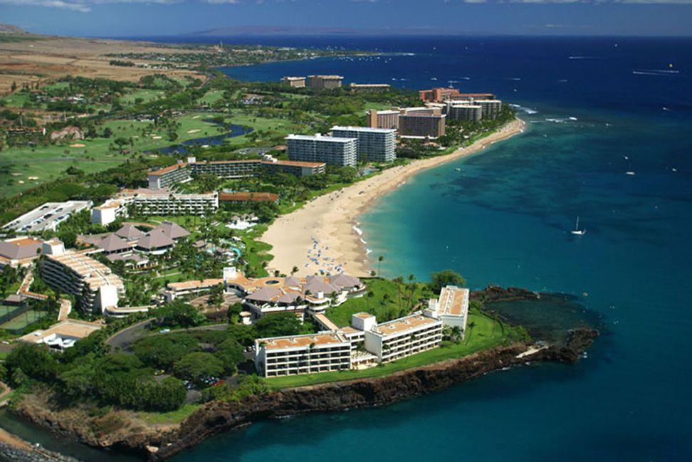 Ka Anapali Beach Hotel In Maui Is Hawaii S Most Hawaiian