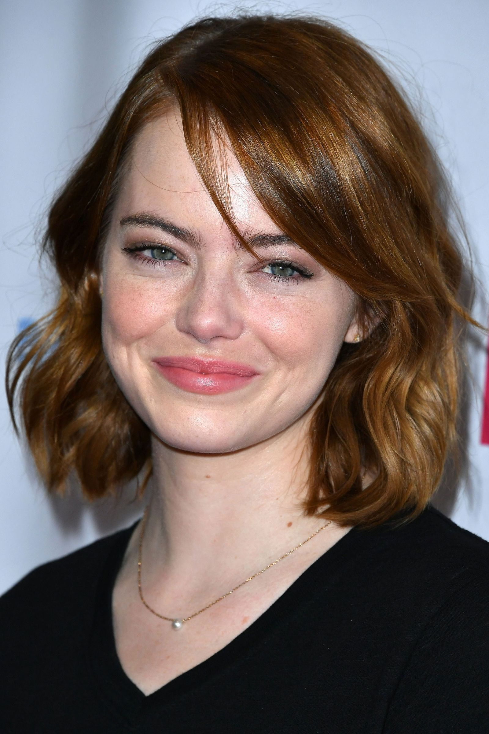 nonawkward ways to grow out your short haircut emma stone