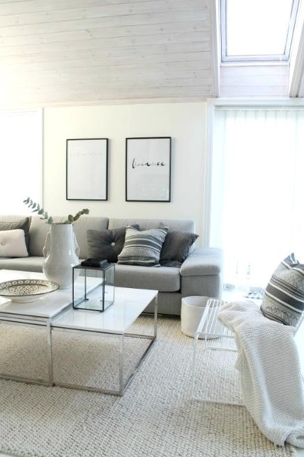 Zona living in bianco #Livingroom #attic #mansarda