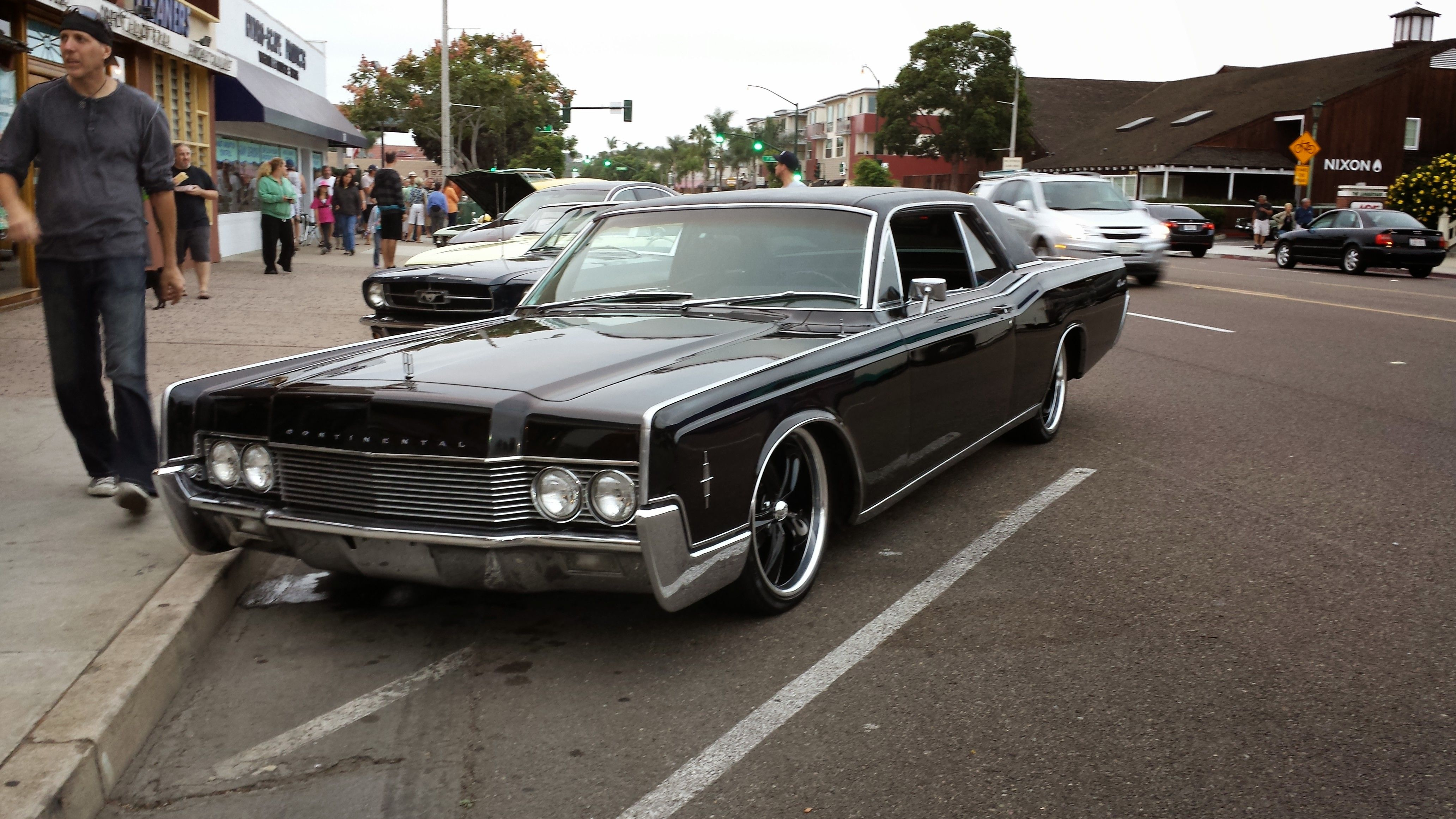 66 lincoln cont coupe cruise night triple black 66. Black Bedroom Furniture Sets. Home Design Ideas