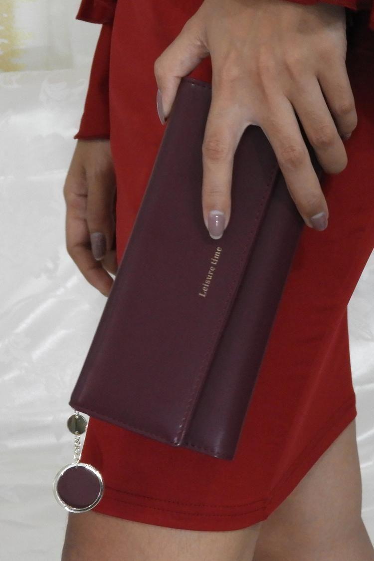 19 90 Burgundy Dark Red Wine Hand Wallet Purse Handbag In Faux Leather Elegant Classy Purses Handbags Wallet Wa Wine Purse Purse Wallet Faux Leather