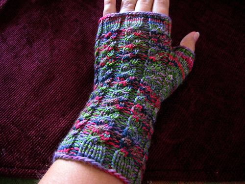 Ravelry: Basic Ribbed or Cabled Mitts and Fitting Mitts to Your Hand pattern by Kelli Slack