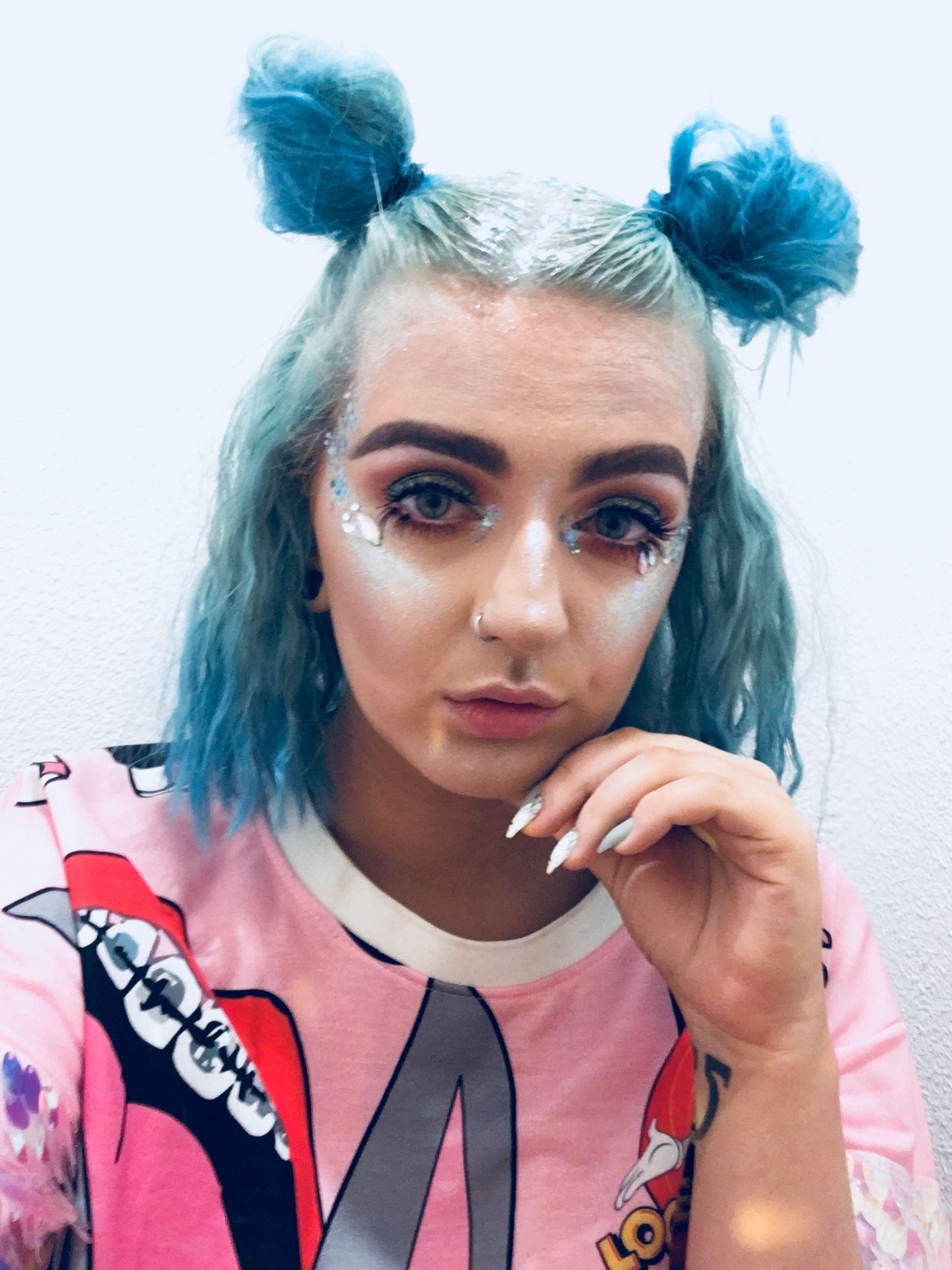 Festival inspired makeup alternative glitter grunge makeup makeup