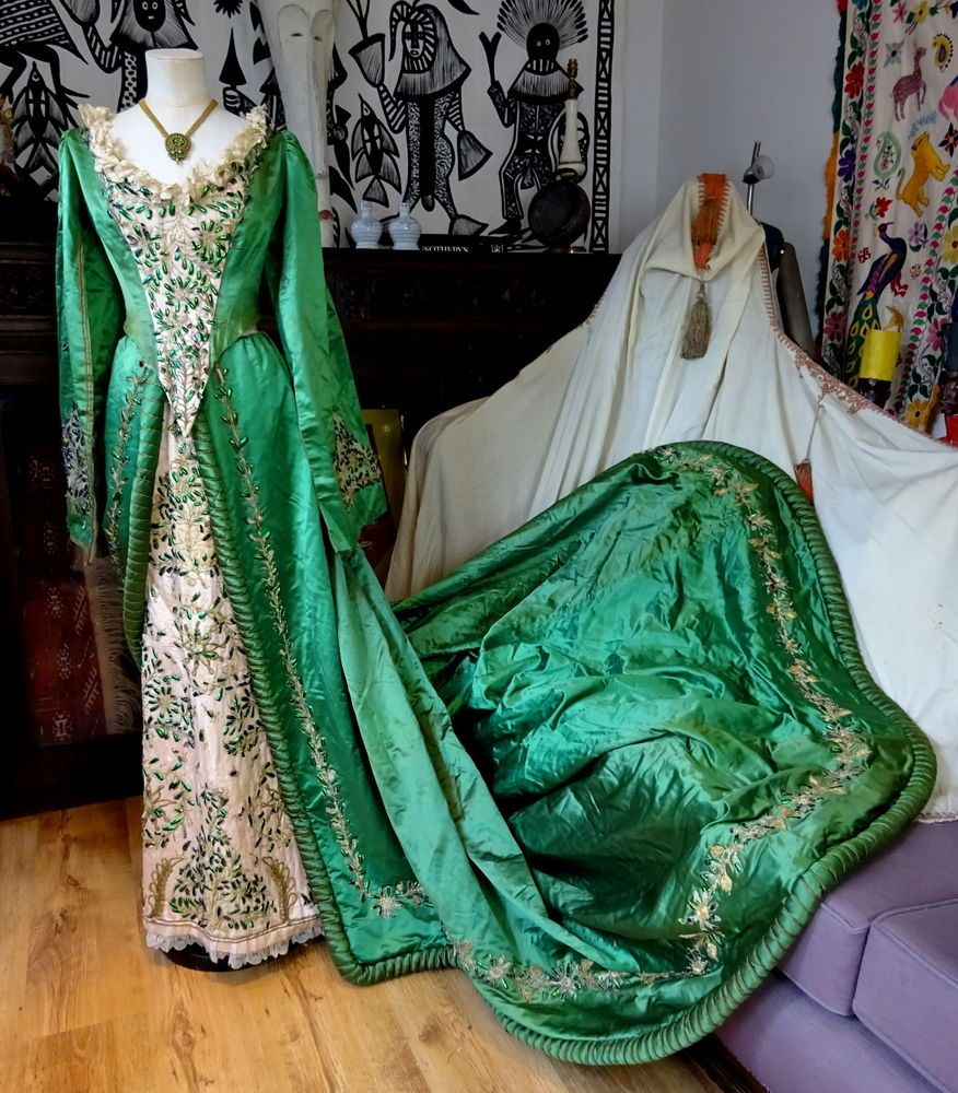 Authentic Victorian English Emerald Court Dress Calcutta Beetle ...