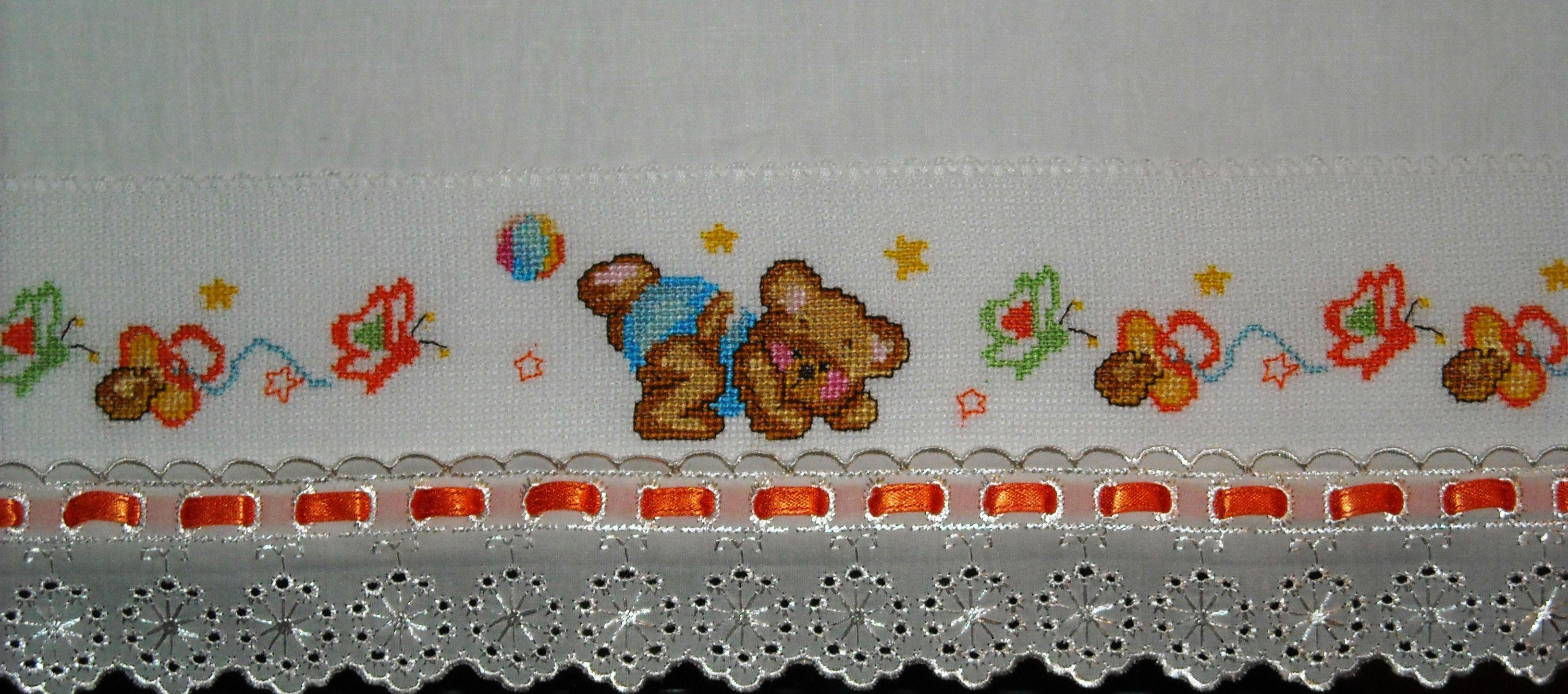 Punto croce schemi gratis asciugamani schemi a punto for Lenzuolini punto croce per bambini