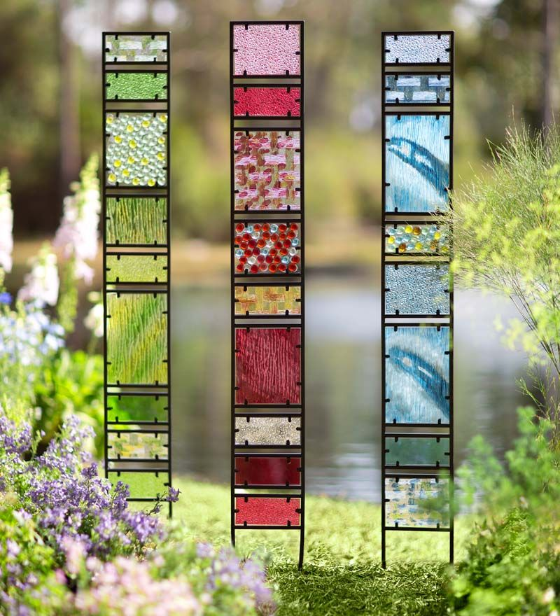 Unique Garden Art: Decorative Glass Garden Panes