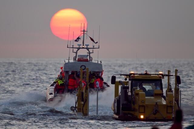 KNRM Katwijk aan Zee @PRKNRMKatwijk Wordt woe 7 aug. Donateur van de KNRM en vaar dezelfde avond nog mee met reddingboot De Redder!