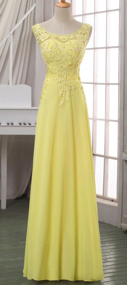 0ab87db8a520 Jennifer s gown for the Arts Gala http   www.amazon.com
