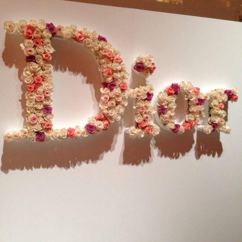 Espectacular evento en Faena Art presentando la nueva fragancia de Jadore de @Dior. #JadoreDior @Grupo_Brandy pic.twitter.com/DLX6eKonSZ
