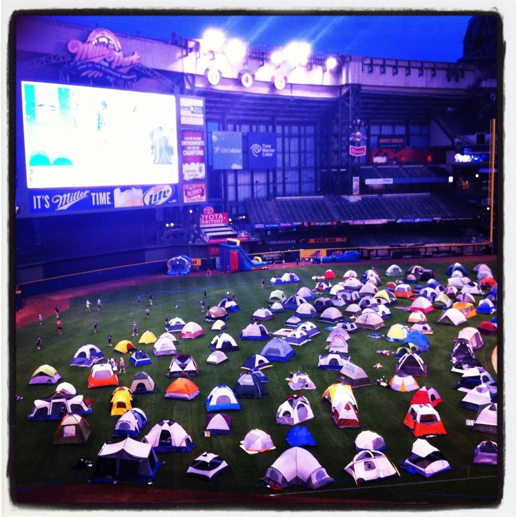 Milwaukee Brewers Bedroom In A Box Major League Baseball: Field Of Sweet Dreams...Camping At Miller Park! #BREWERS