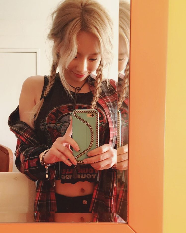 "Time to reminisce SNSD TaeYeon's 'Why' !  Check out her cute selfies below~  ""#why"""