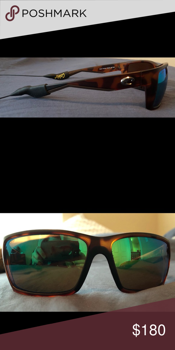 737234cf1367 Costa Del Mar Reefton Sunglasses Lightly used, no scratches, in near  perfect condition.