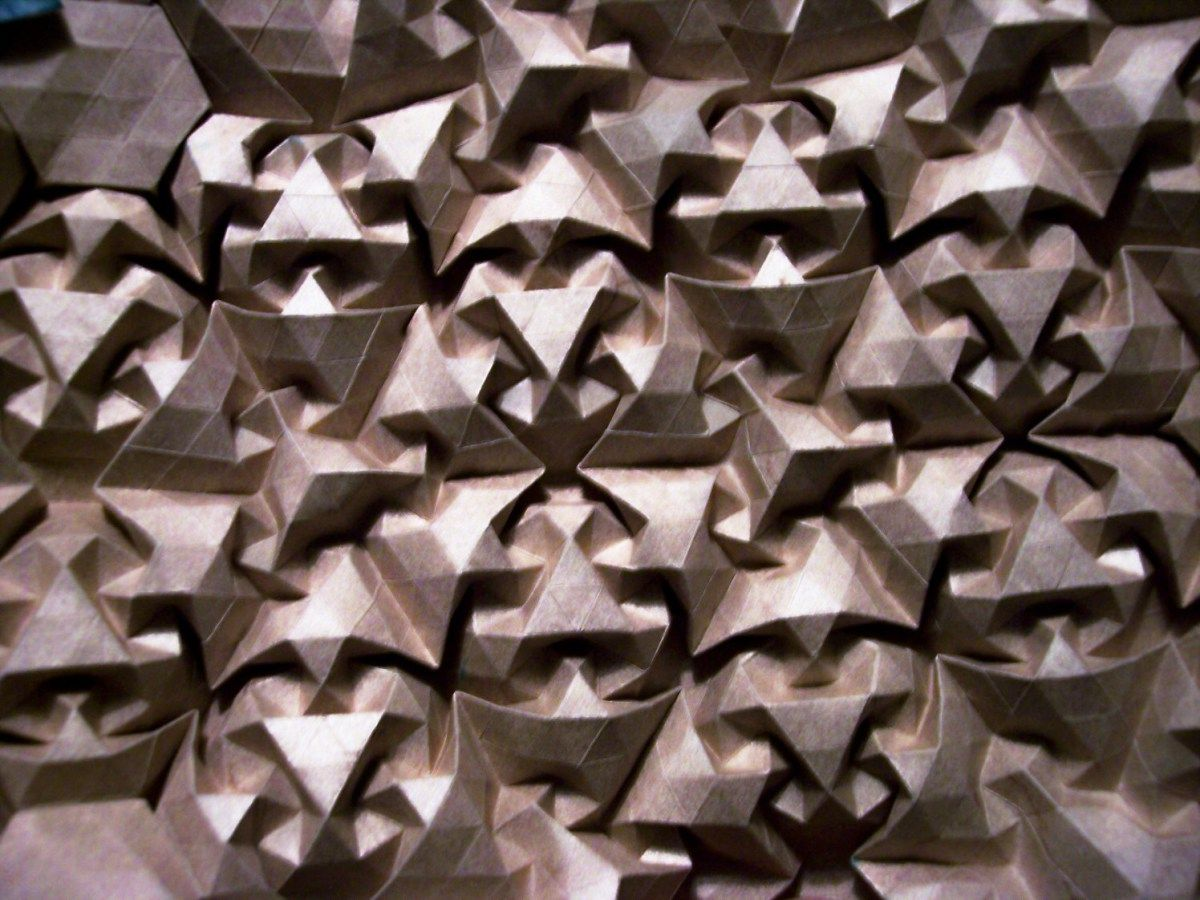 origami-ists like Chris Palmer. He spent a good parts of his life living in a cave in Granada, and his creations are rigorous and complex g...
