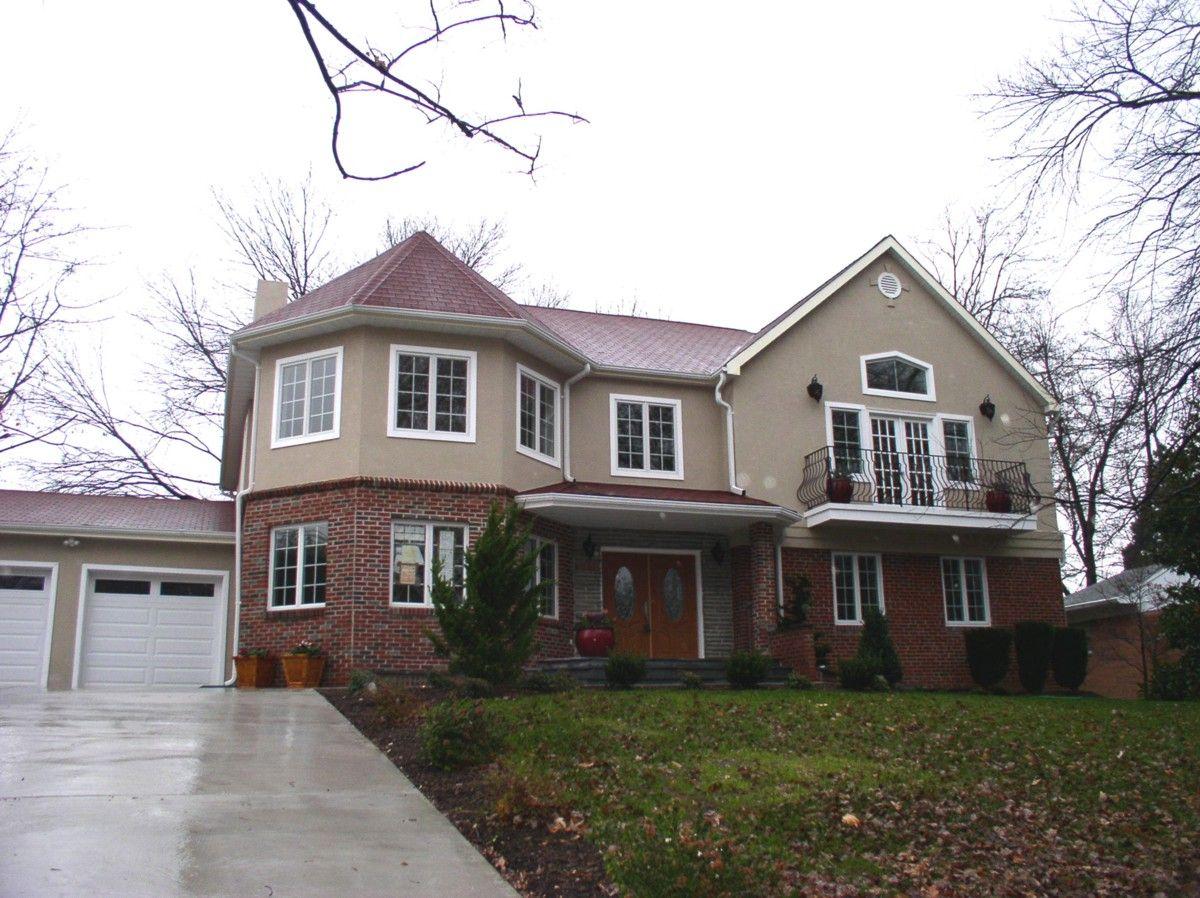 Brick On Bottom Stucco On Top Stucco Homes House Styles