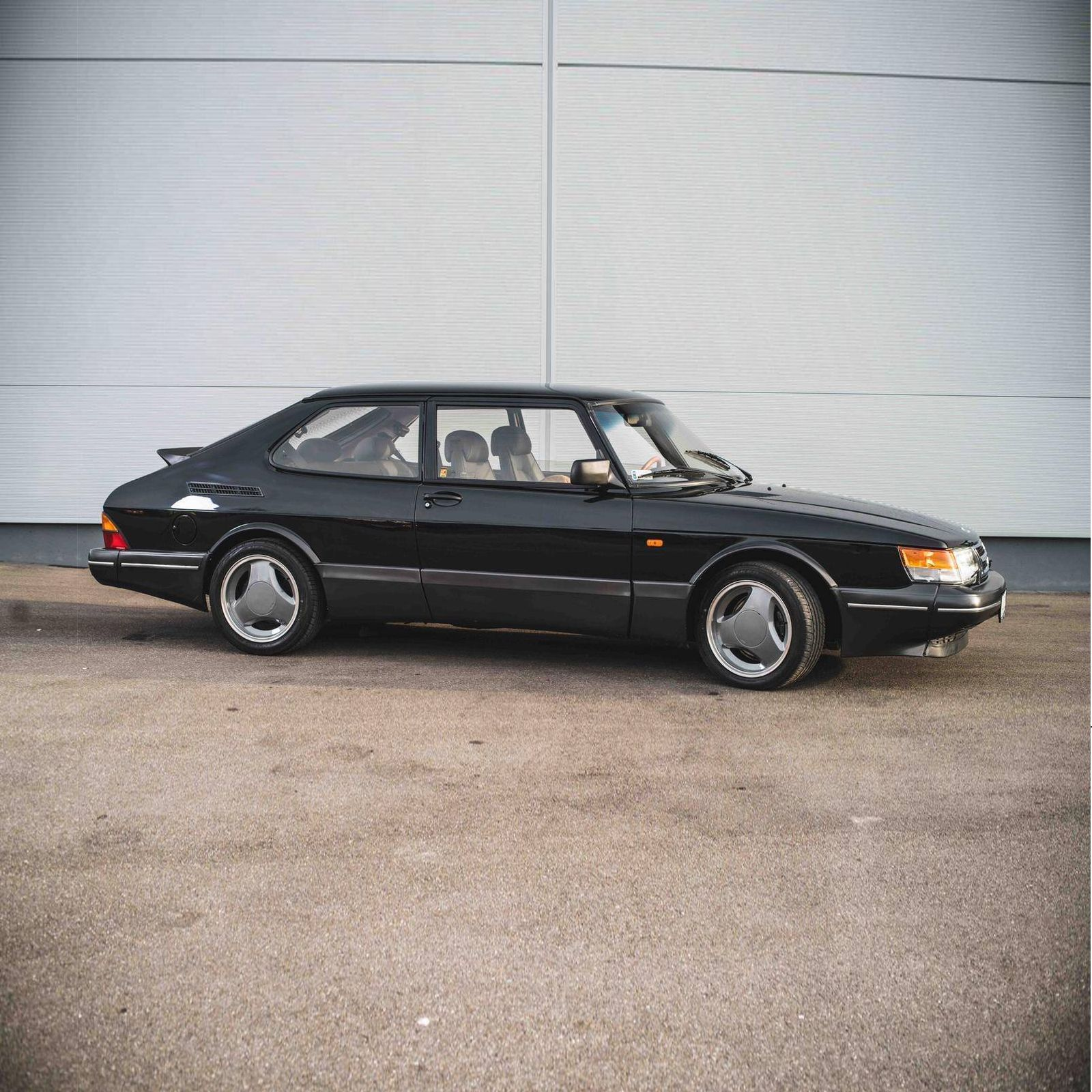 Got to have one of these A perfectly restored 1993 Saab