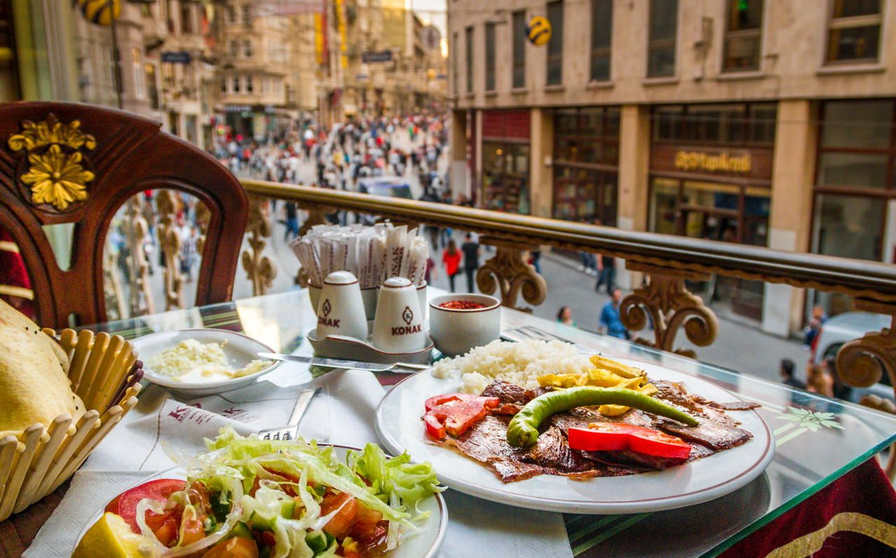 Looking to Istiklal Avenue from a Turkish restaurant. Photo by Anton Artyushin. Istanbul, Turkey