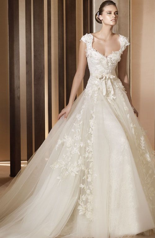 Sample Wedding Dress Bridal Gown Aglaya Flower Ball Gown CLEARANCE ...