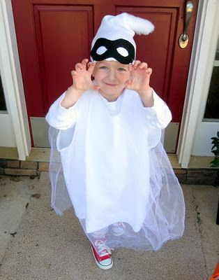 A Homemade Ghost Costume  sc 1 st  Pinterest & Craft Interrupted: BOO! A Homemade Ghost Costume | Holidays ...