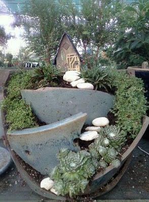 Jardines peque os en maceteros rotos jard n minimalista for Jardines minimalistas pequenos
