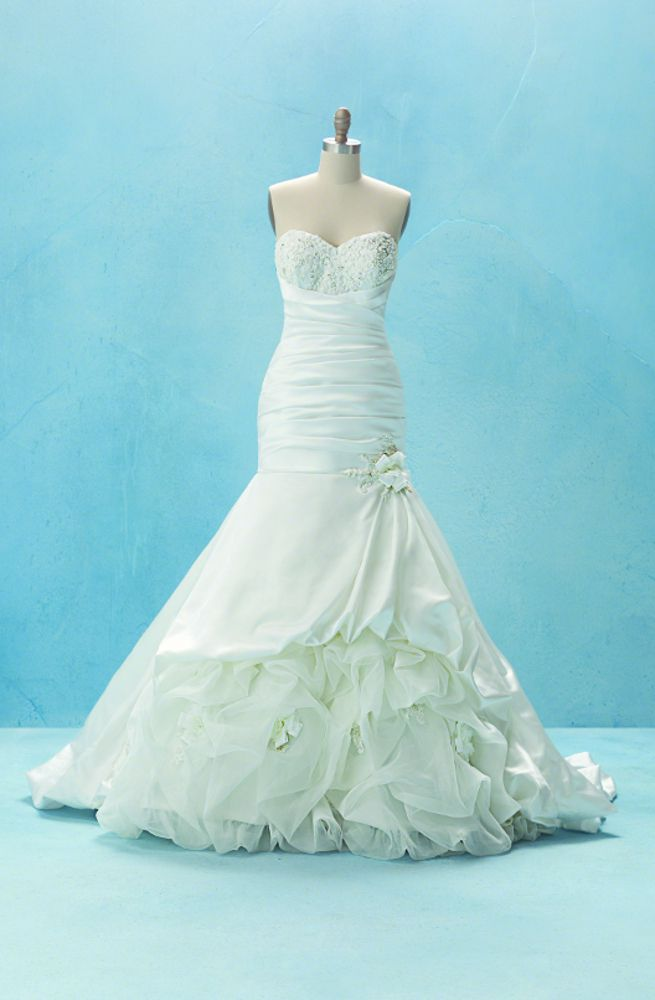 A wedding dress inspired by Disney\'s Princess and the Frog. The ...