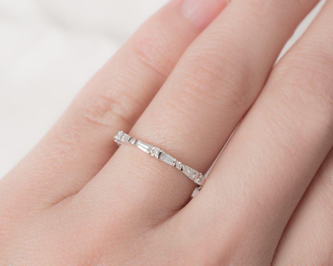 Erin Band | Round round, Round cut diamond and Diamond bands