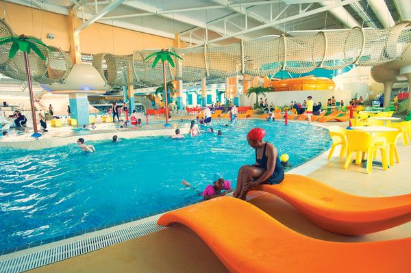Butlins Splash Waterworld Relax By The Pool Or Dive Right In The Choice Is Yours Butlin 39 S