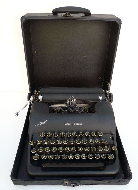 1940s FULLY RESTORED Corona Manual Portable Typewriter With