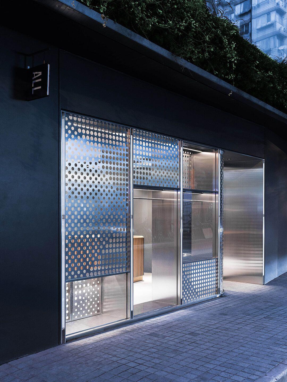Topshop Oxford Street Curved window Display - By Tenn Ltd ... |Curved Line Display Visual Merchandising